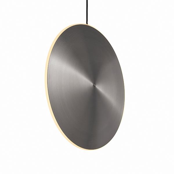 Graypants Chrona Dish 17 Vertikal Pendel Børstet Stål fra Graypants