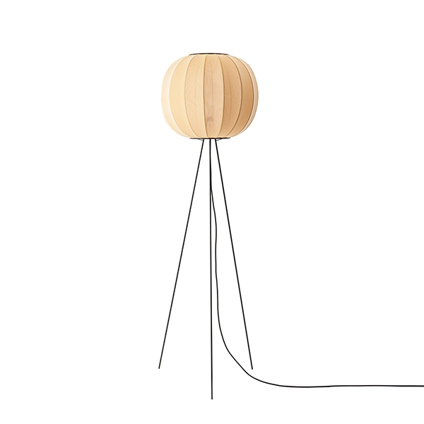 Made By Hand Knit-Wit Round Gulvlampe Ø45 Høj Gul fra Made By Hand
