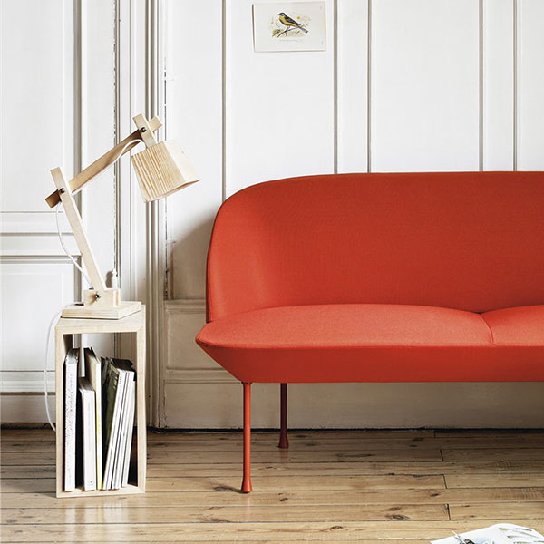 Muuto Wood Lamp med sofa