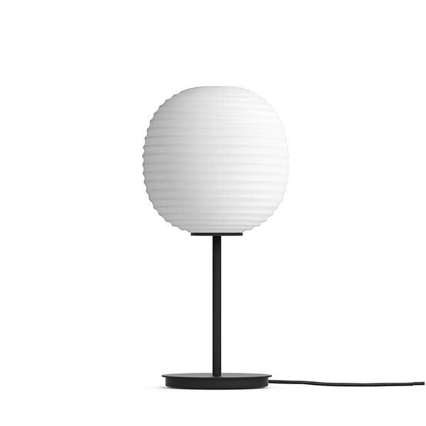 NEW WORKS Lanterne Bordlampe M. Sort Fod & Matteret Hvid Opal Glas Lille