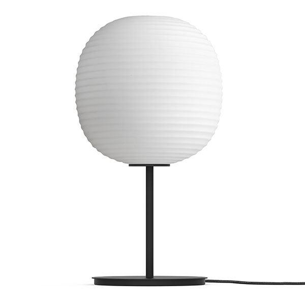 NEW WORKS Lanterne Bordlampe M. Sort Fod & Matteret Hvid Opal Glas Mellem