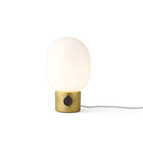 MENU JWDA Metallic Bordlampe Poleret Messing